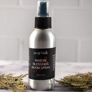cedar-oil-spray